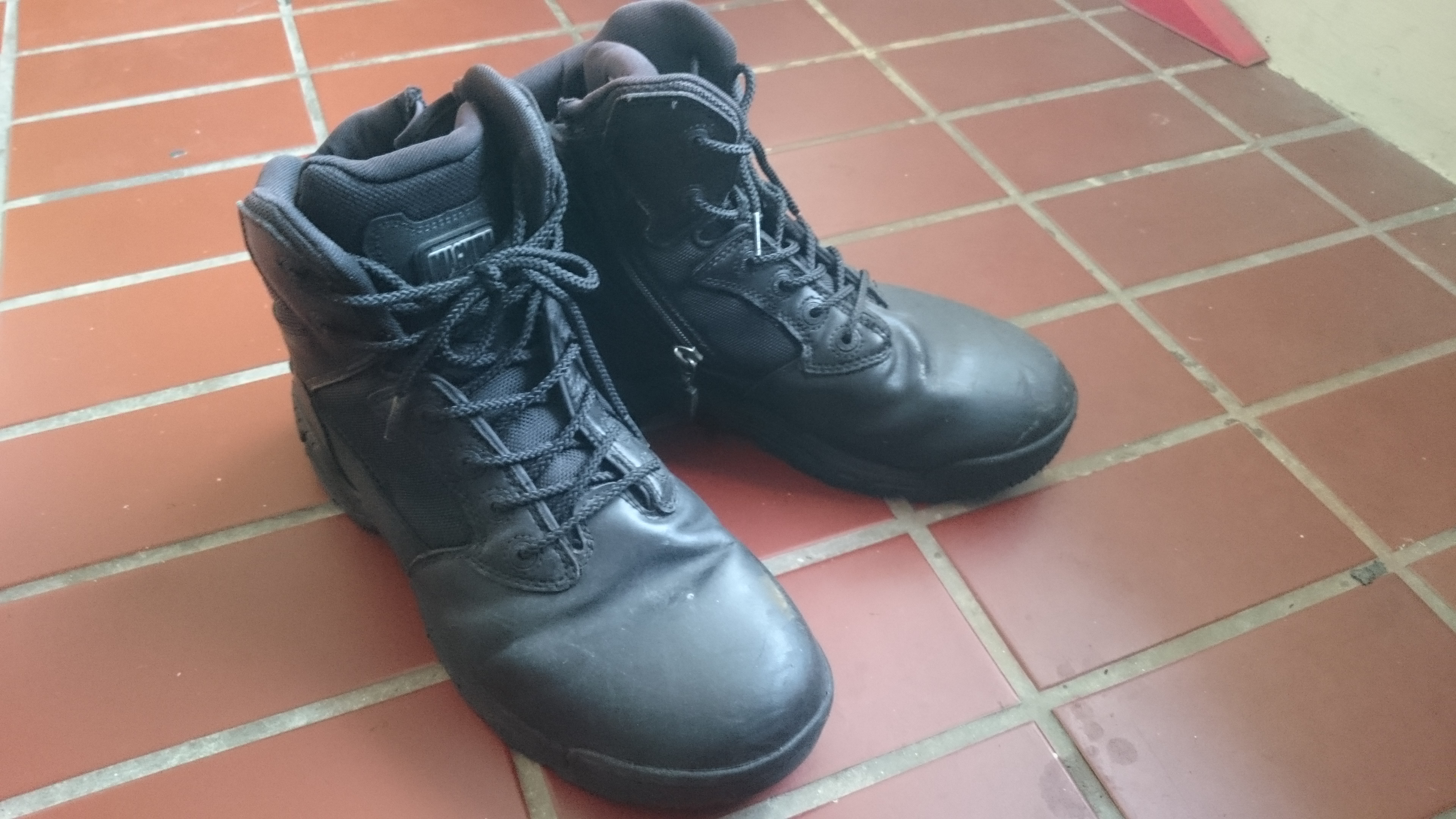 Magnum boots double up as good motorcycling boots