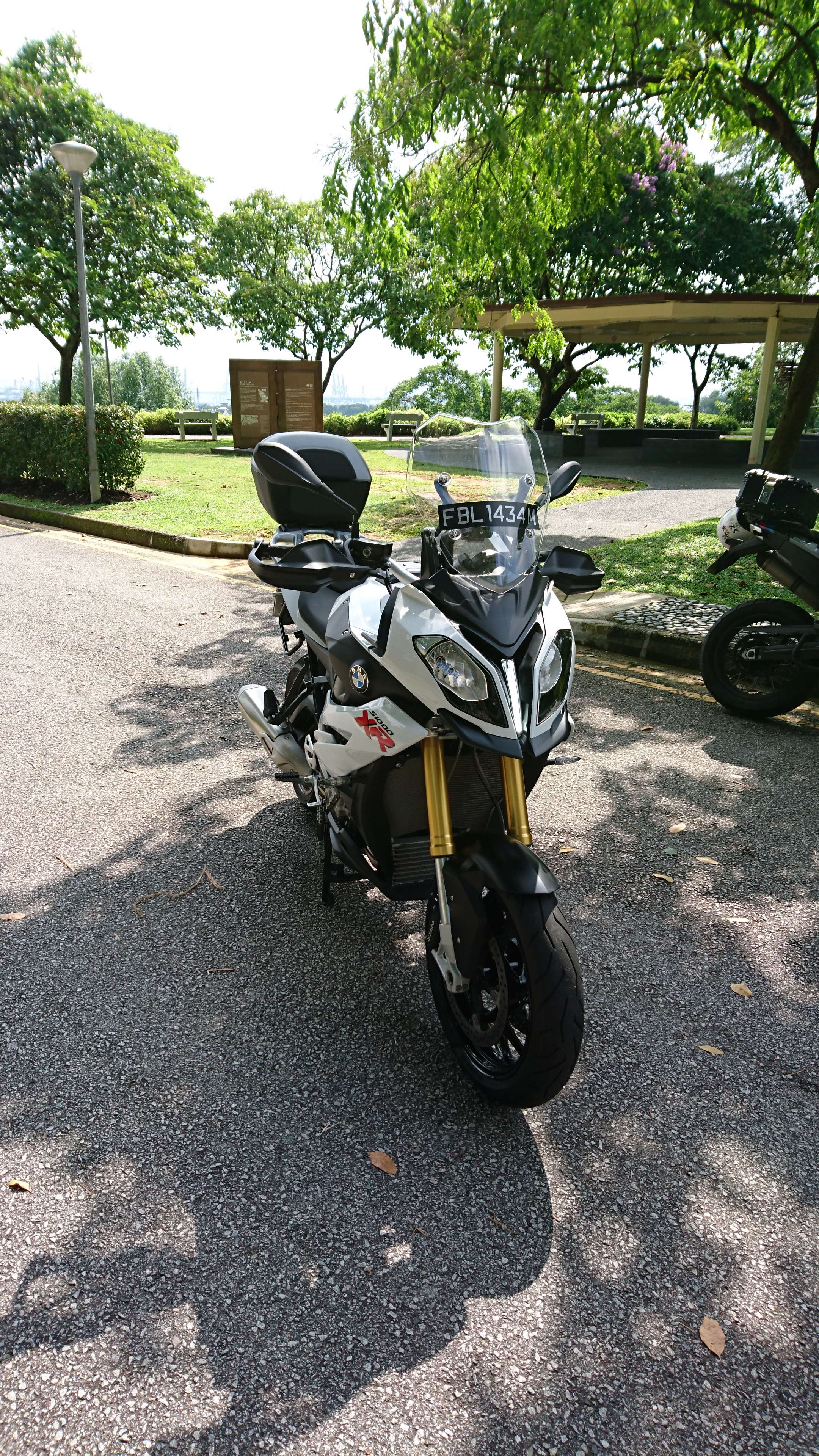 Front view of the BMW S1000XR