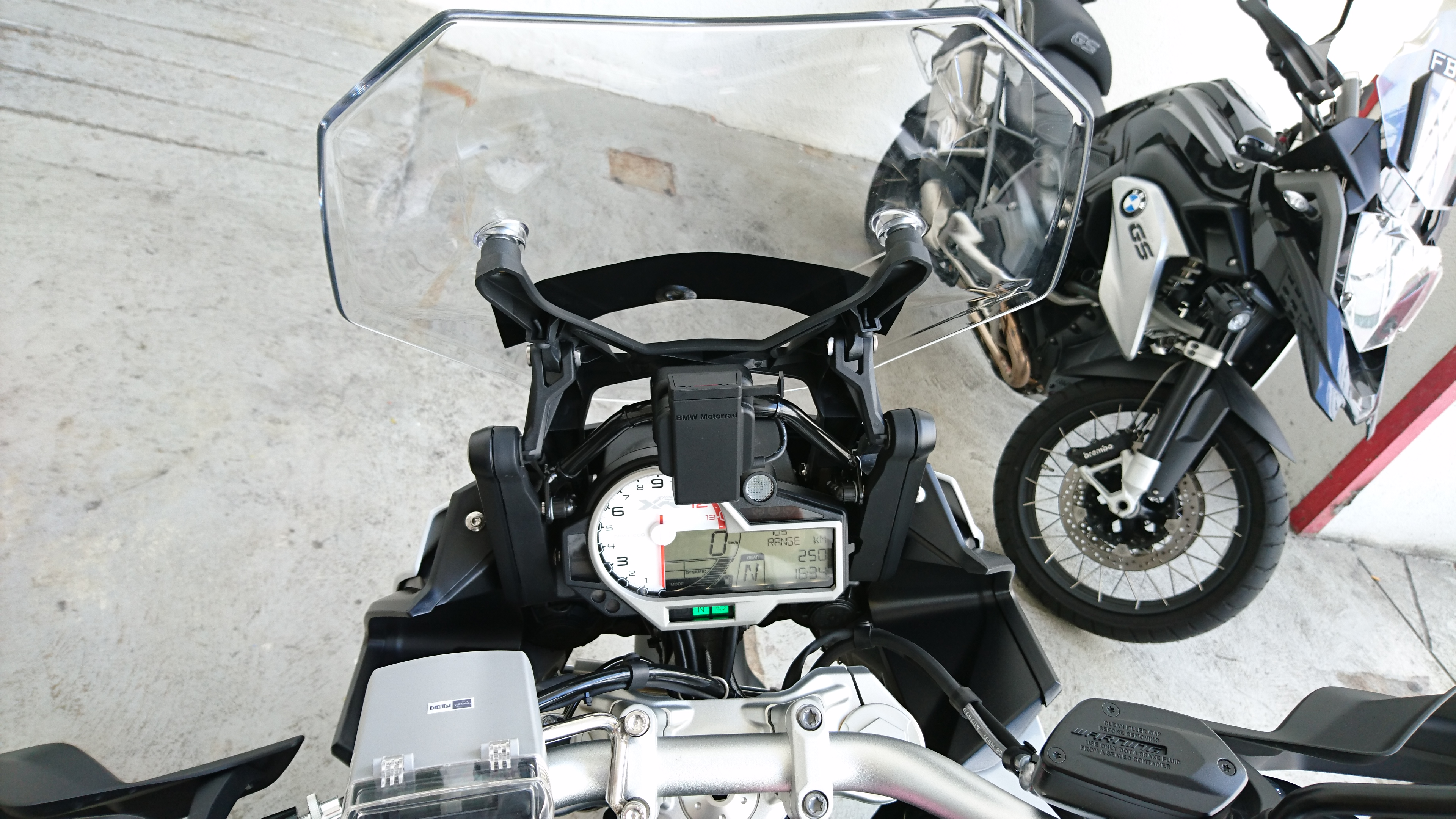 Instrument Cluster for the BMW S1000XR