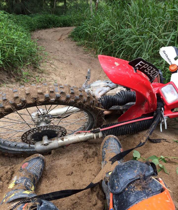 flooded carburetor XR250 dirtbike