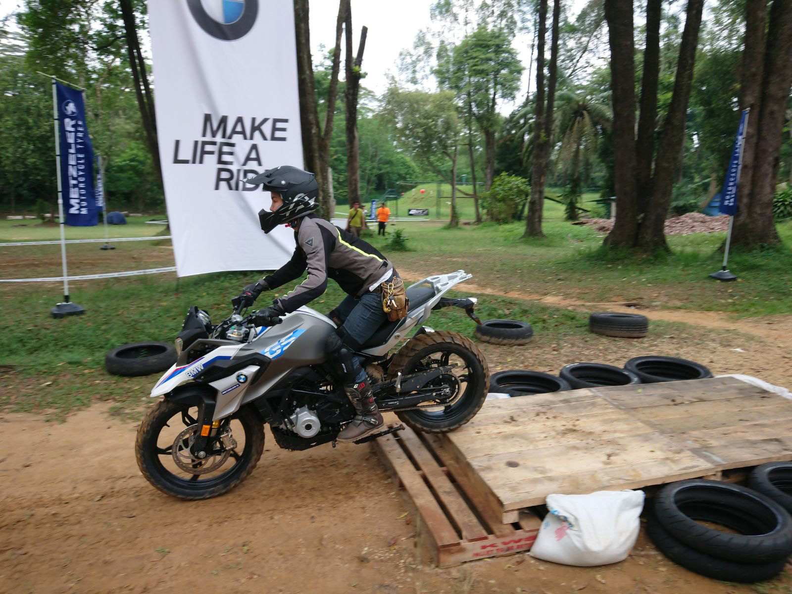 BMW G310GS in action